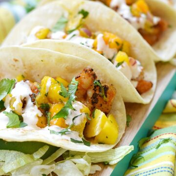Make sure you put these Grilled Shrimp Tacos on the menu for Taco Tuesday next week | cookingwithcurls.com