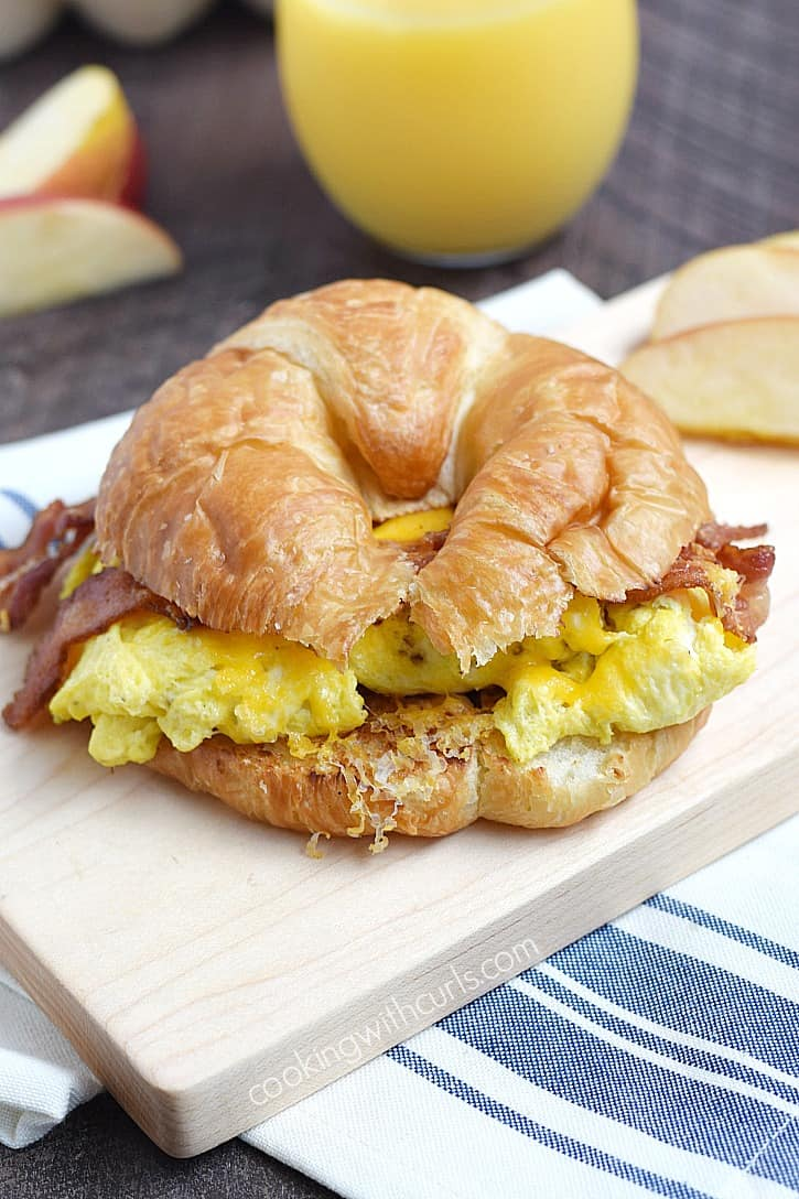 Start your day with a delicious Bacon Egg and Cheese Croissant and keep those hunger pangs at bay | cookingwithcurls.com