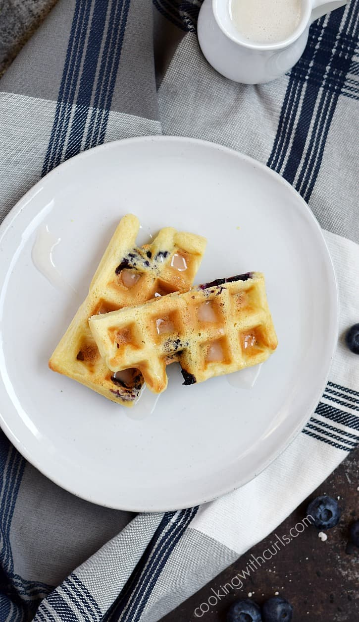 Blueberry Lemon Waffled Muffins are the perfect solution when it's too hot to turn on the oven | cookingwithcurls.com