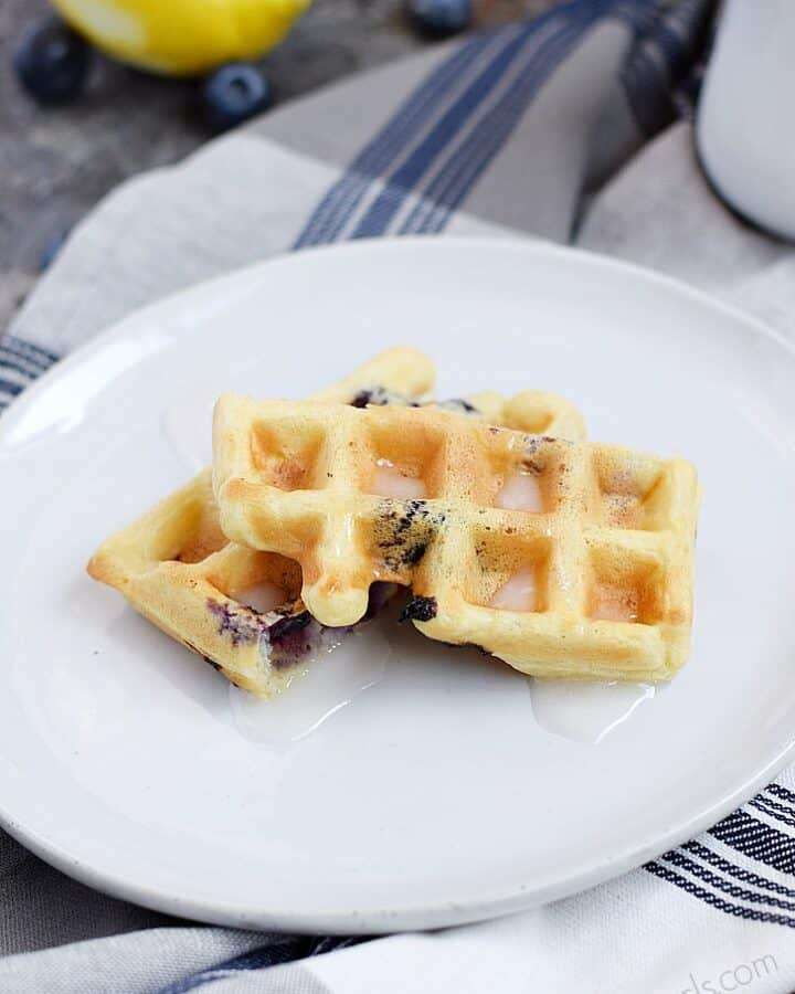 Blueberry Lemon Waffled Muffins with a light, lemon dipping glaze for a fun twist on muffins | cookingwithcurls.com