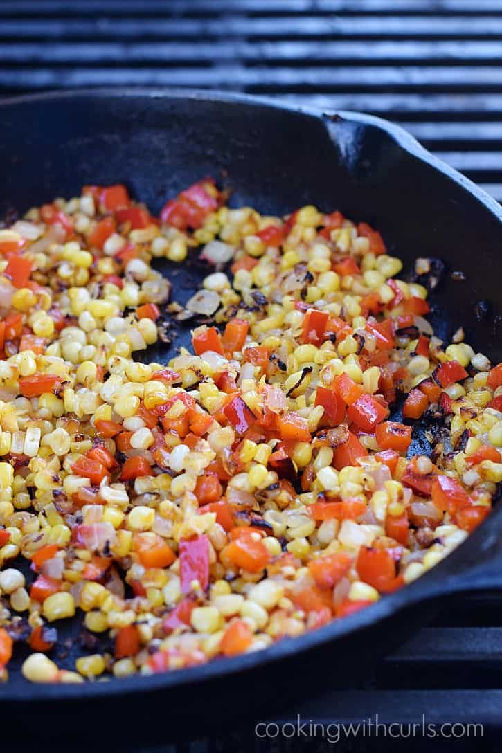 Grilled Corn Relish in a skillet and charred to perfection | cookingwithcurls.com