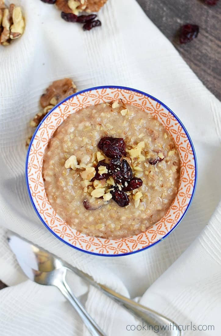 Instant Pot® Steel Cut Oatmeal loaded with nutrition and flavor for the perfect breakfast | cookingwithcurls.com