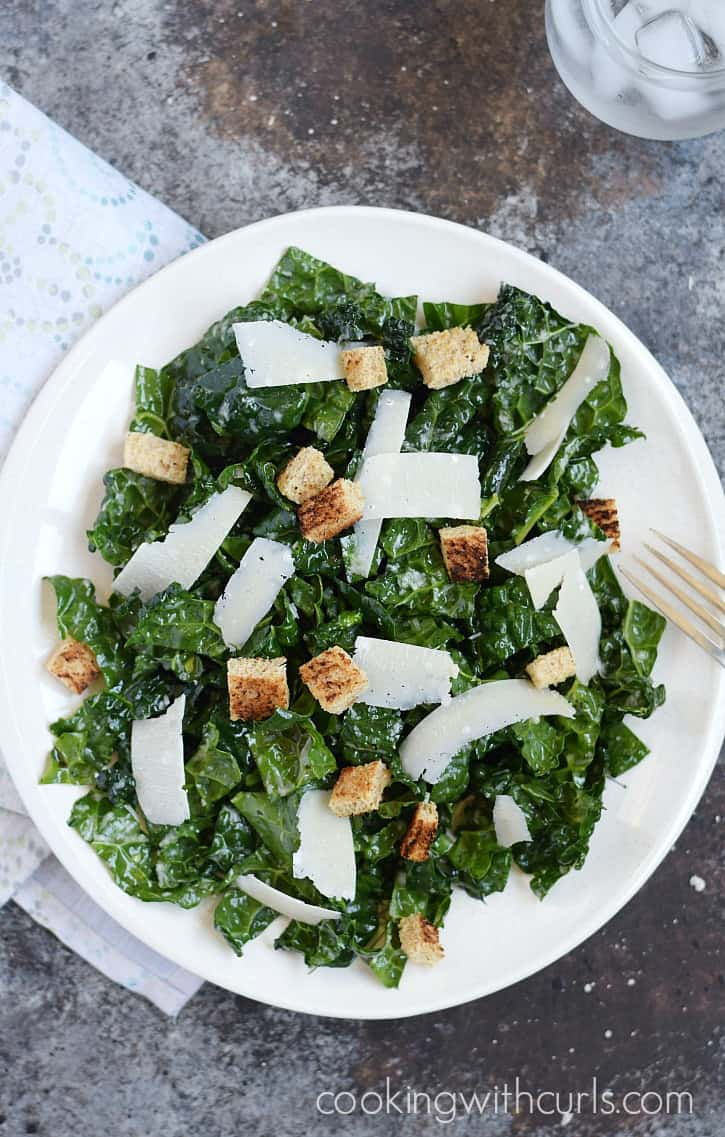 This Black Kale Salad is loaded with nutrients and flavor for the perfect light meal | cookingwithcurls.com