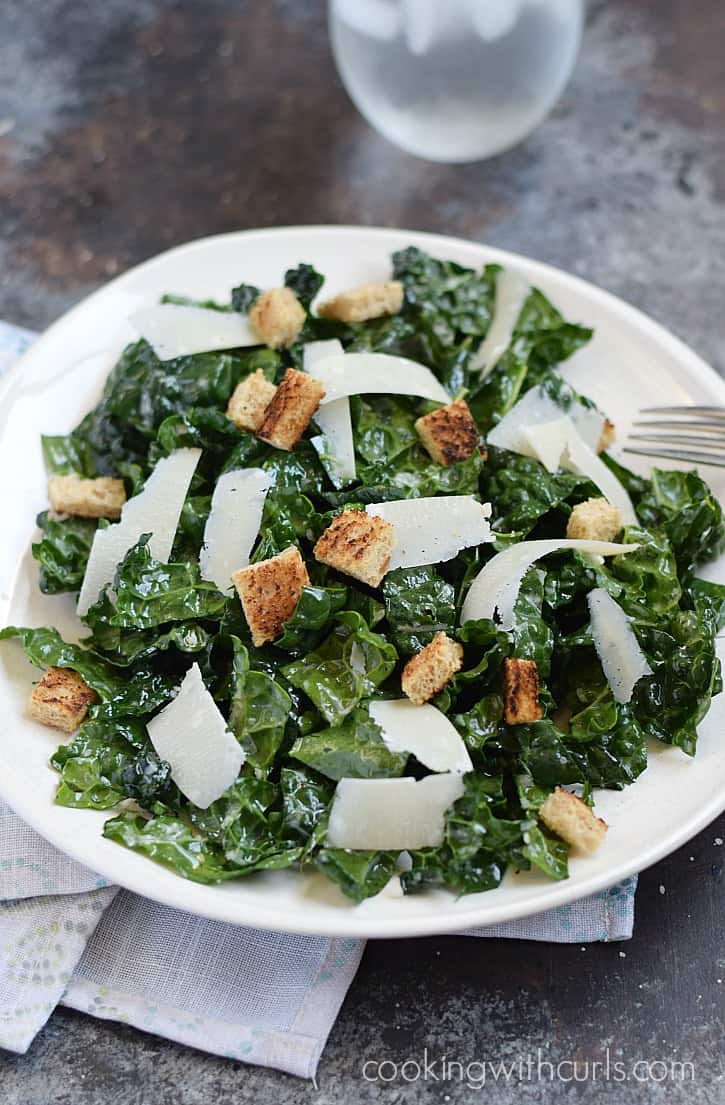 This Black Kale Salad is super healthy, and super delicious | cookingwithcurls.com
