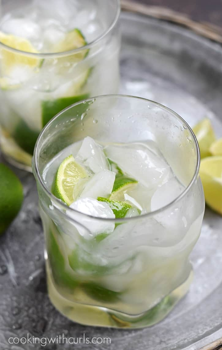 This Classic Brazilian Caipirinha, the Mojito's Brazilian cousin, is light, refreshing, and perfect for summer | cookingwithcurls.com
