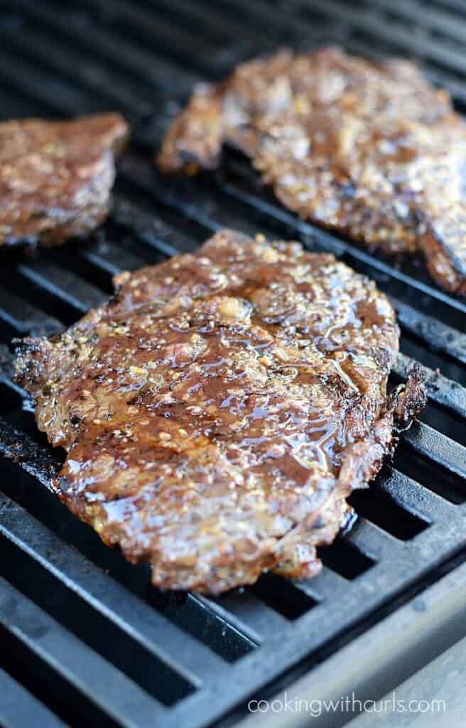 This Canadian Steak Marinade adds amazing flavor to your steaks and it's super easy with only four ingredients | cookingwithcurls.com