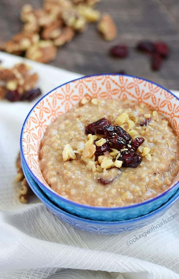 This Instant Pot® Steel Cut Oatmeal is super easy to make and turns out perfectly every time | cookingwithcurls.com