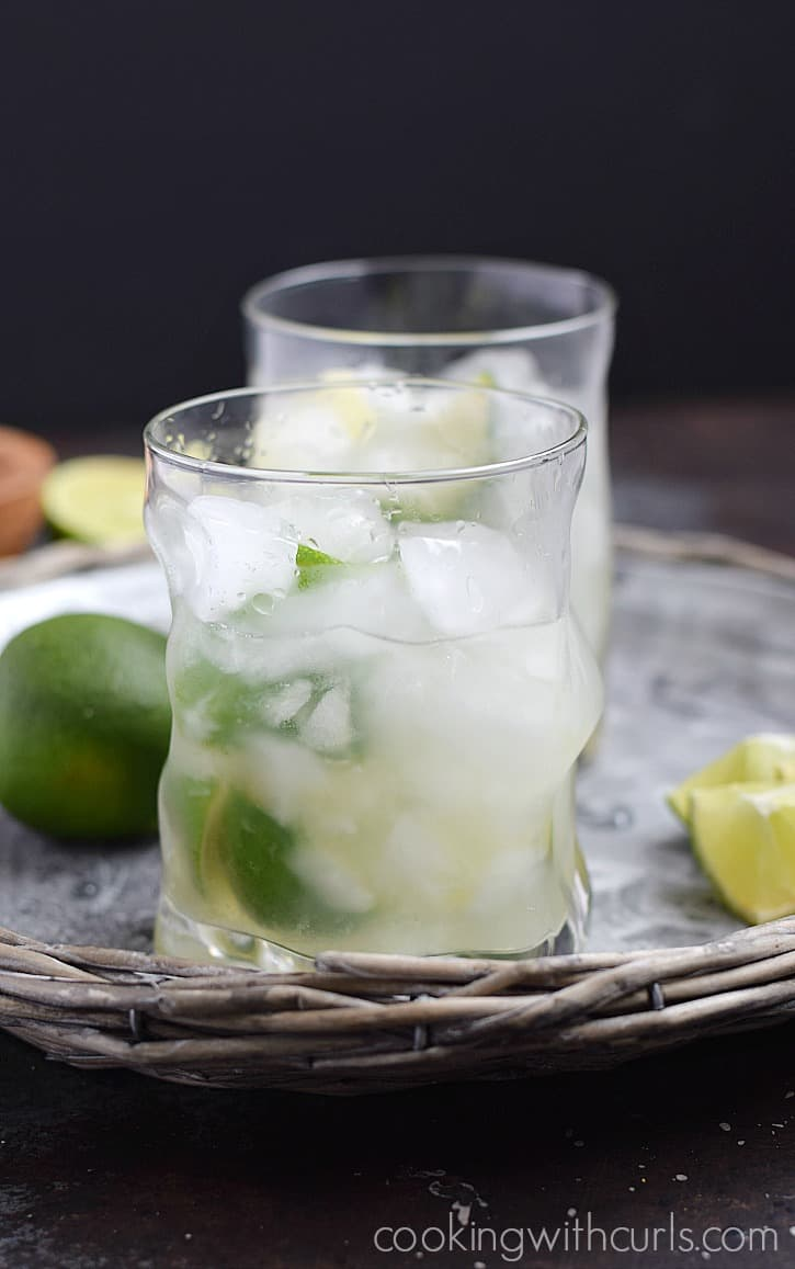 This Classic Brazilian Caipirinha is light and refreshing, and only has 4 ingredients | cookingwithcurls.com