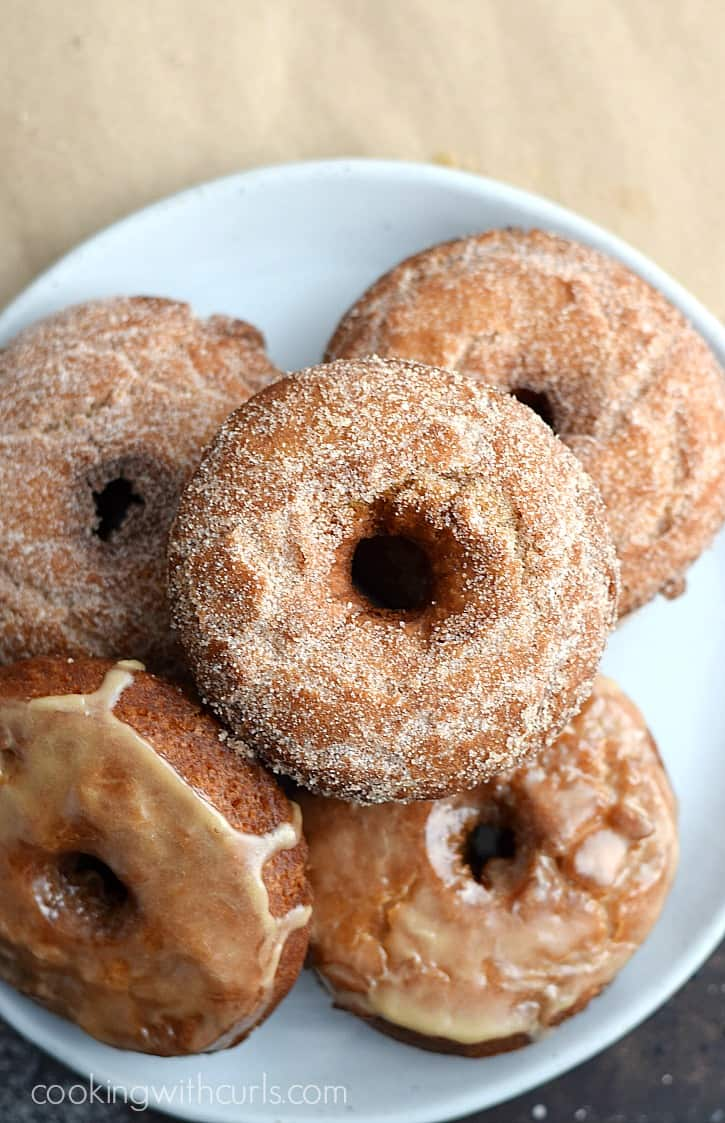 Nothing screams fall more than a plate of fresh Apple Cider Doughnuts | cookingwithcurls.com