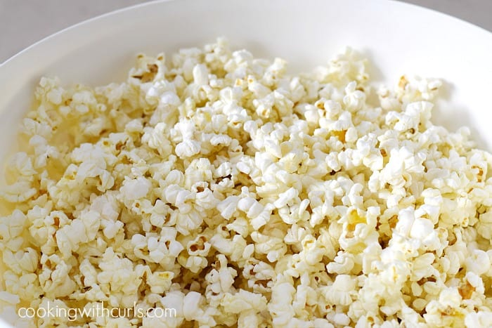 grinch popcorn popped cookingwithcurls.com
