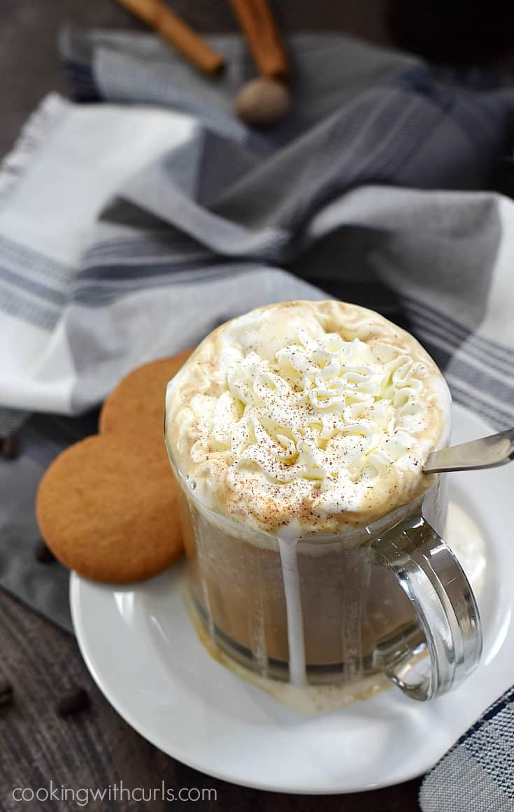 This Gingersnap Latte is creamy, delicious, and dairy-free | cookingwithcurls.com #SameSilkySmoothTaste #ad