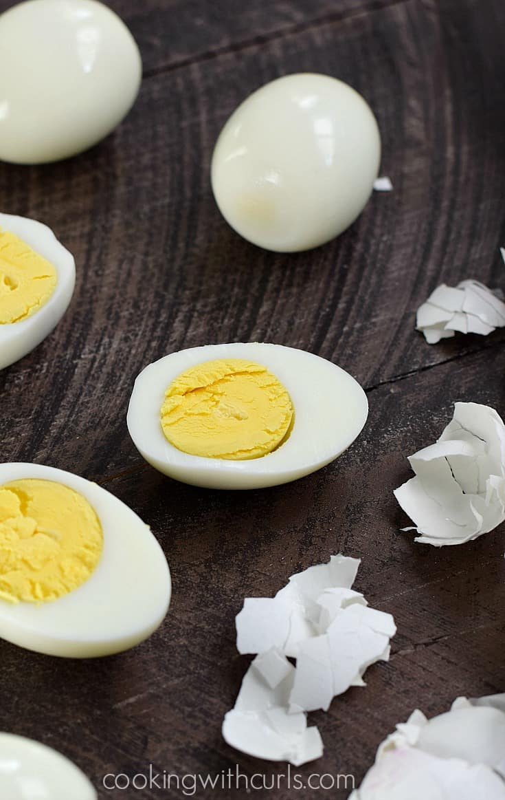 Instant Pot Hard Boiled Eggs | cookingwithcurls.com