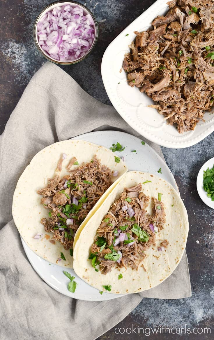 Crispy and delicious Instant Pot Pork Carnitas for dinner tonight | cookingwithcurls.com