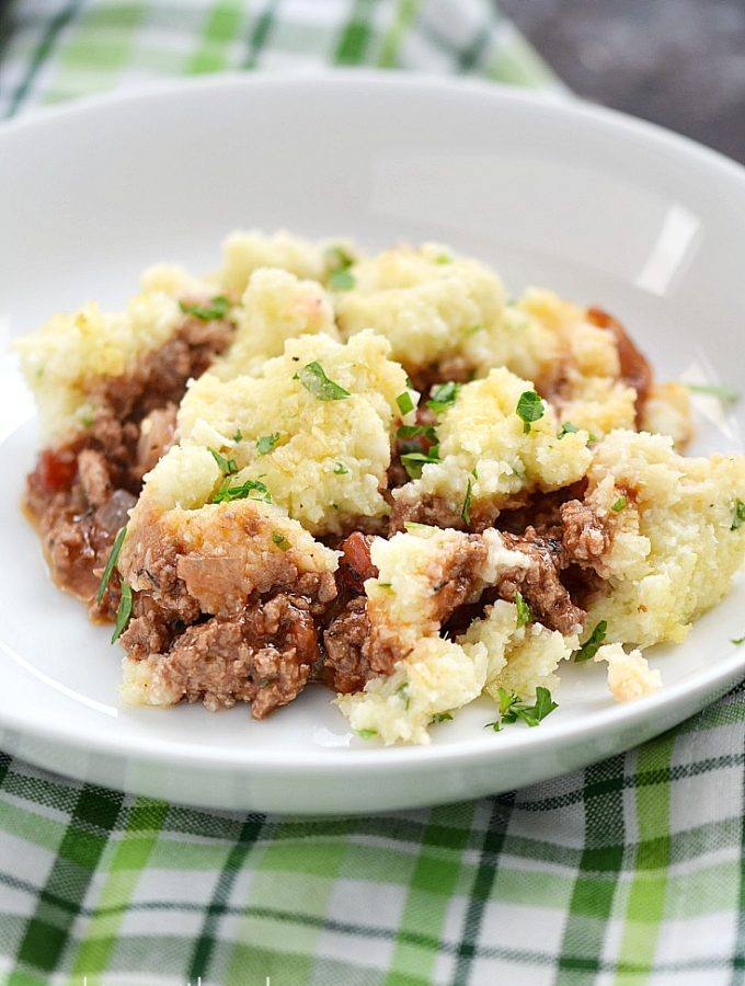 St. Patrick's Day just got a bit healthier thanks to this delicious Paleo Shepherd's Pie | cookingwithcurls.com
