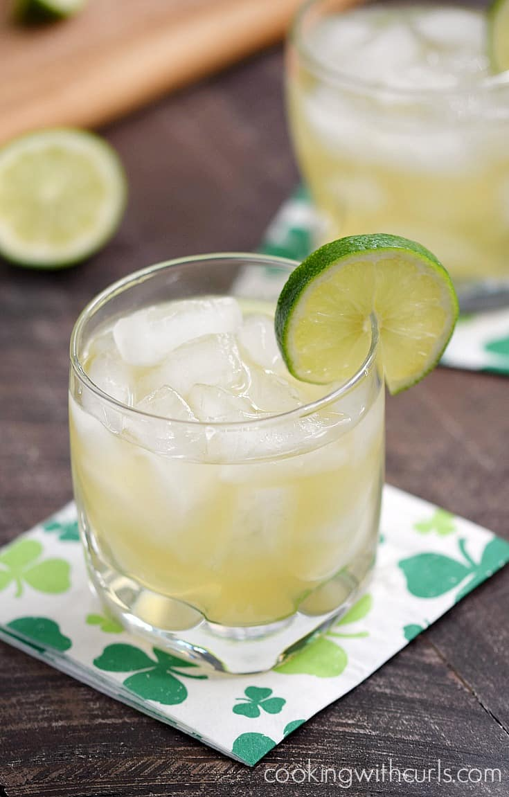 This Jameson & Ginger let's you celebrate your Irish ancestry, even if you're not Irish | cookingwithcurls.com