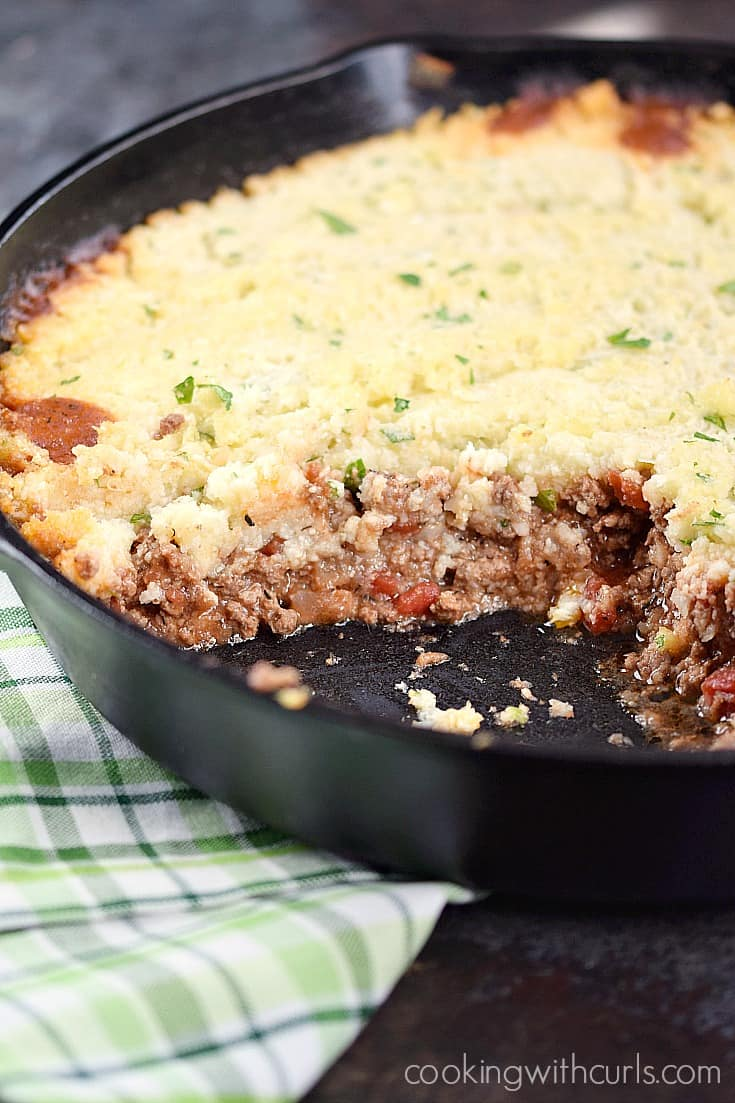 This Paleo Shepherd's Pie is healthy comfort food at it's finest | cookingwithcurls.com