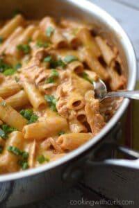 Chicken Enchilada Pasta | cookingwithcurls.com