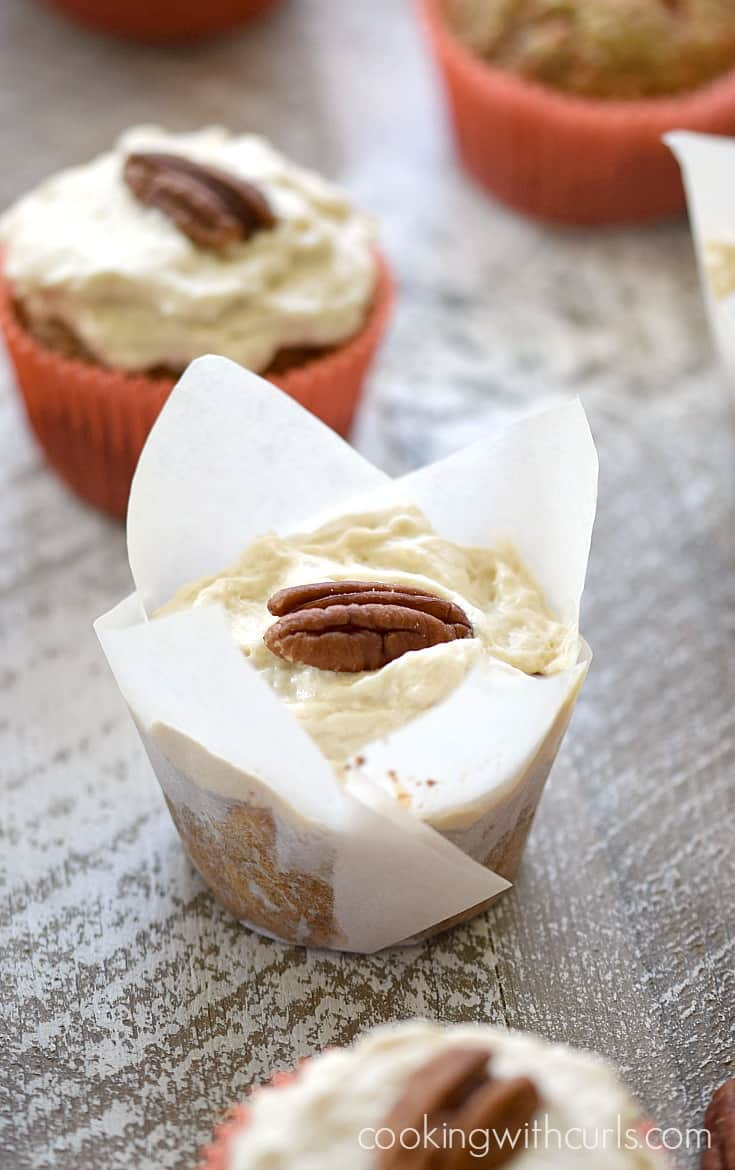 Gluten-free, Dairy-free Paleo Maple Carrot Cupcakes are a perfectly healthy treat   cookingwithcurls.com