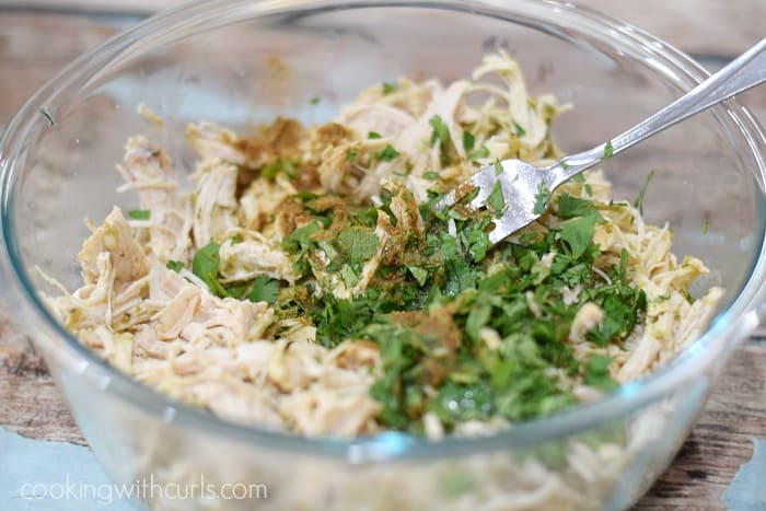 Instant Pot Salsa Verde Shredded Chicken mix cookingwithcurls.com