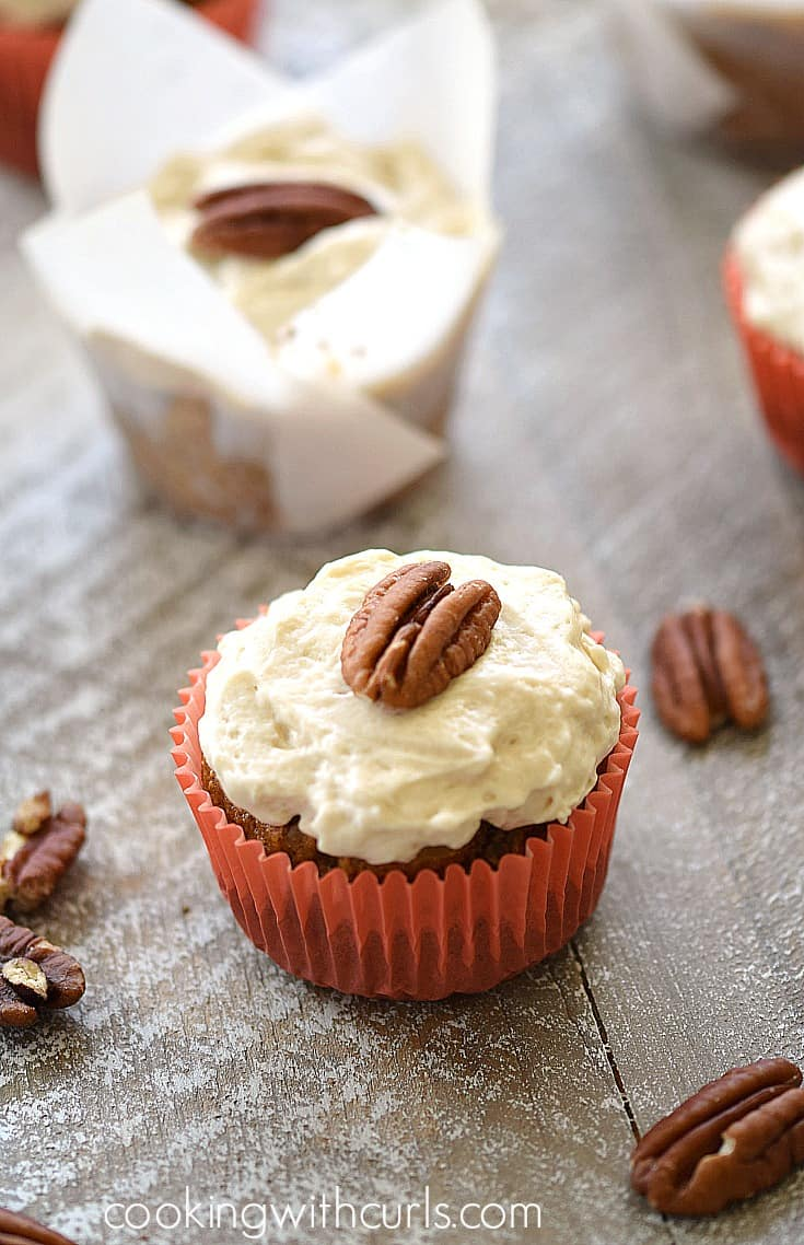 Paleo Maple Carrot Cupcakes | cookingwithcurls.com