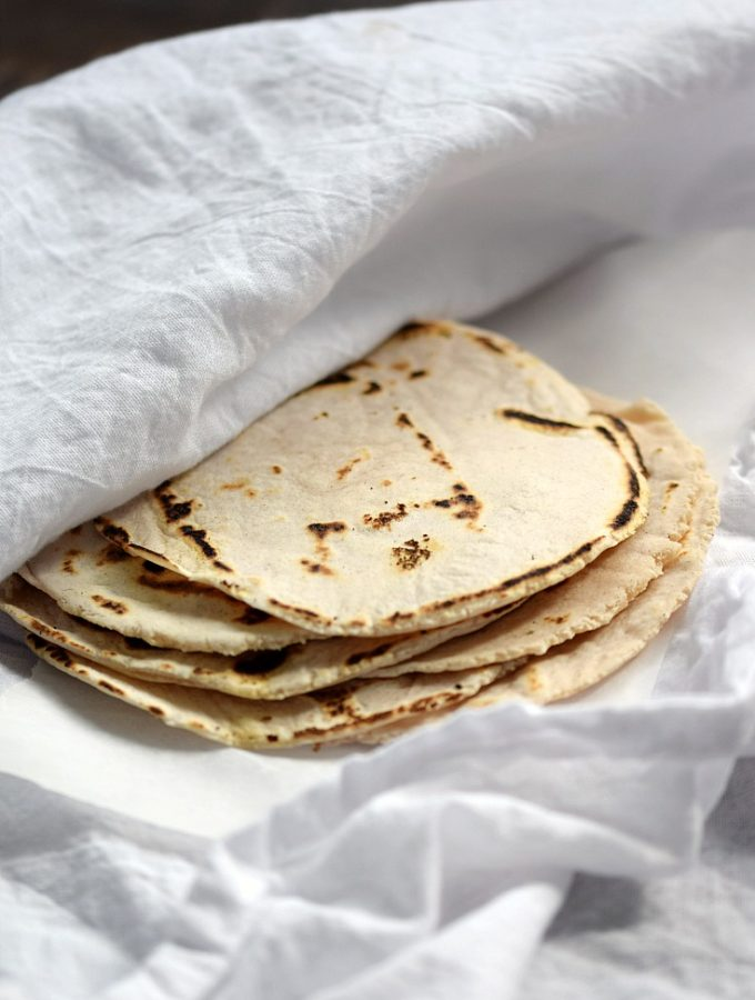 These Cassava Flour Tortillas are grain-free, nut-free, and gluten-free | cookingwithcurls.com