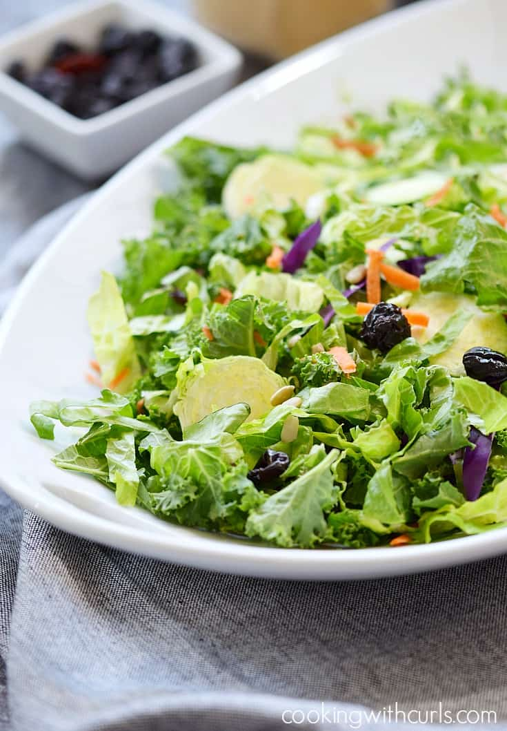 This Superfood Salad is loaded with flavor and healthy ingredients cookingwithcurls.com