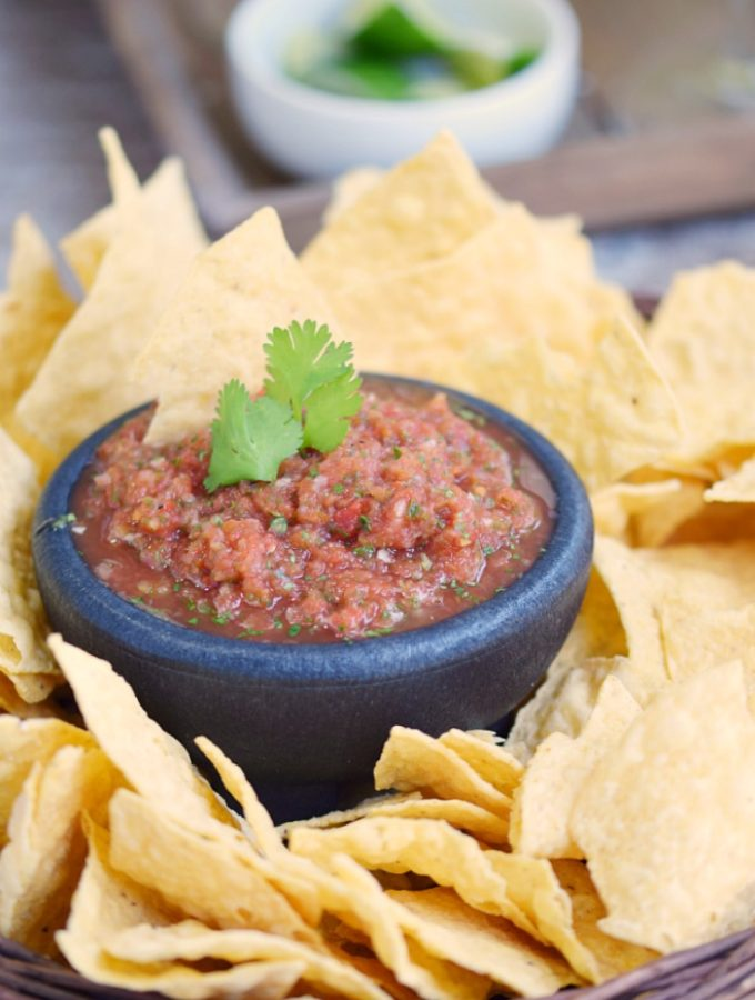 Restaurant-Style Blender Salsa that is easy enough to make at home in minutes | cookingwithcurls.com