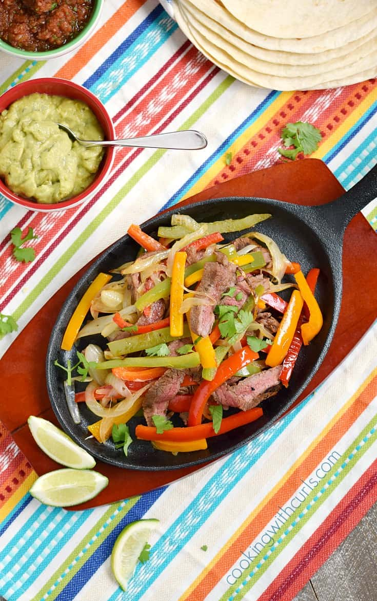 You can make restaurant quality Grilled Steak Fajitas at home that are just as delicious, and ridiculously easy to prepare | cookingwithcurls.com