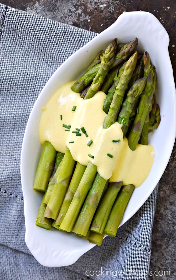 Instant Pot Steamed Asparagus with Hollandaise Sauce | cookingwithcurls.com