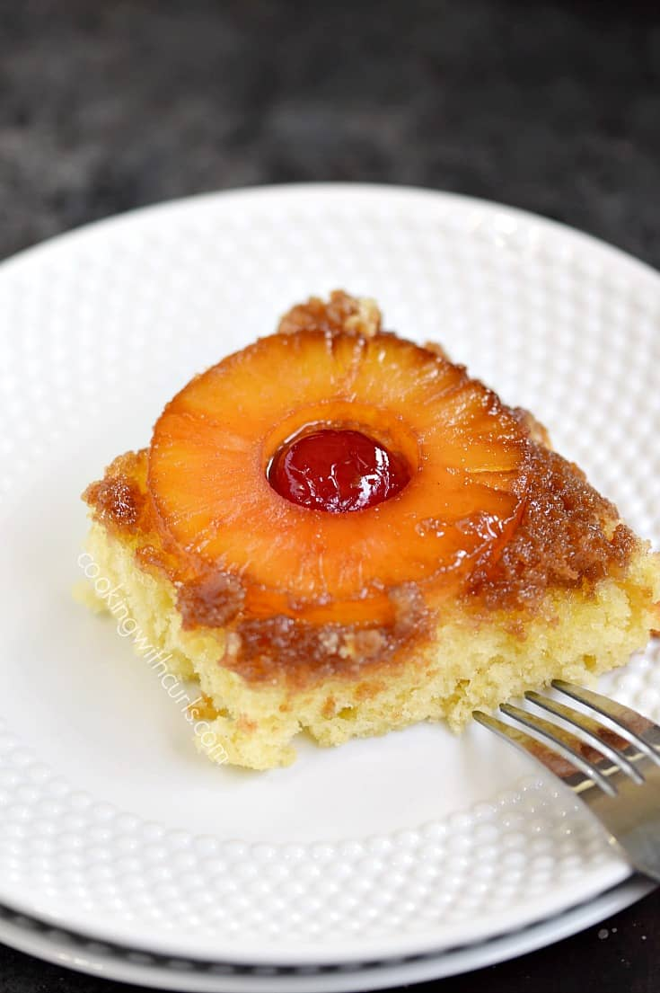 Grab yourself a slice of this delicious Skillet Pineapple Upside-Down Cake, you won't be disappointed | cookingwithcurls.com