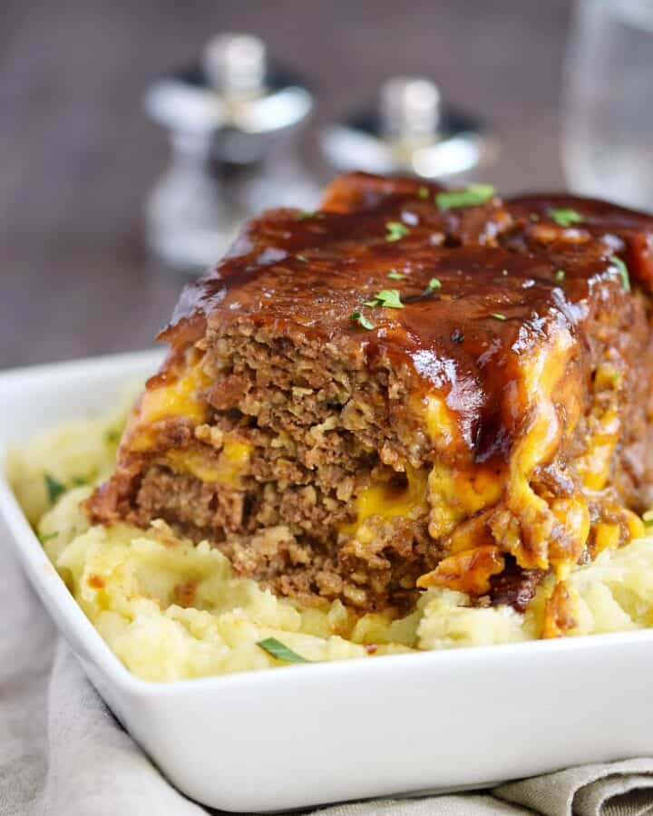 Instant Pot Bacon Cheeseburger Meatloaf with creamy Mashed Potatoes | cookingwithcurls.com