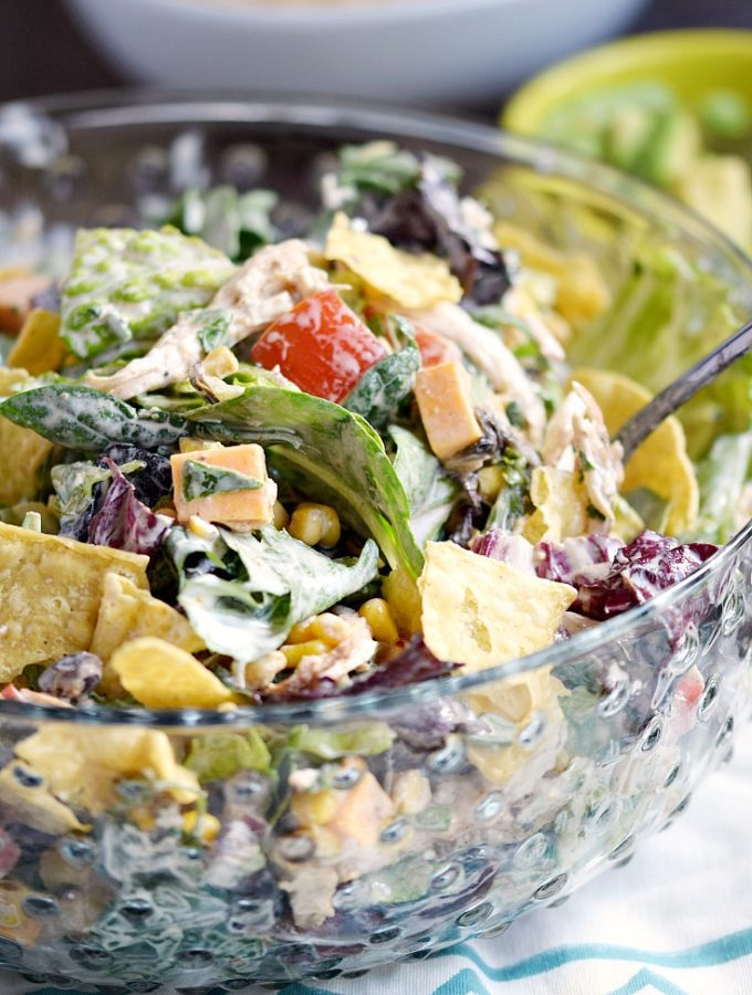 This toss together Tex-Mex Chopped Chicken Salad is perfect for busy nights | cookingwithcurls.com
