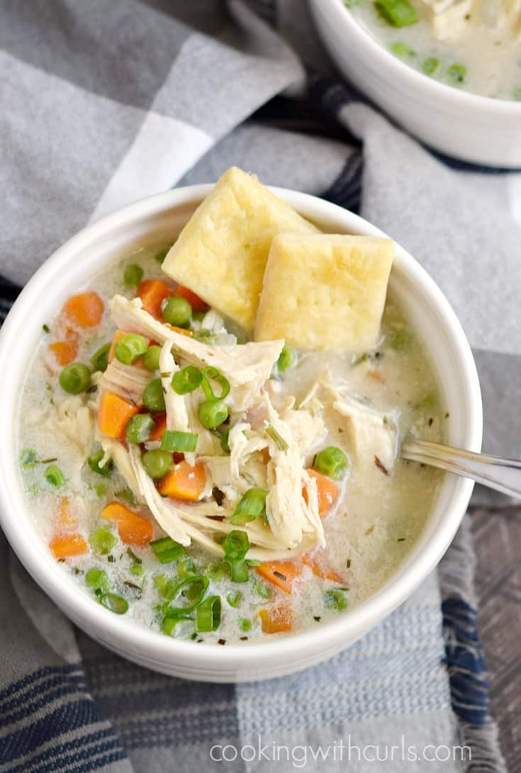 Warm up this winter with a big bowl of Instant Pot Chicken Pot Pie Soup served with Pie Crust Crackers | cookingwithcurls.com