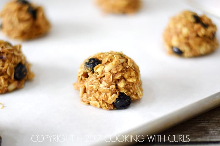 Blueberry Breakfast Cookies scoop COPYRIGHT © 2017 COOKING WITH CURLS