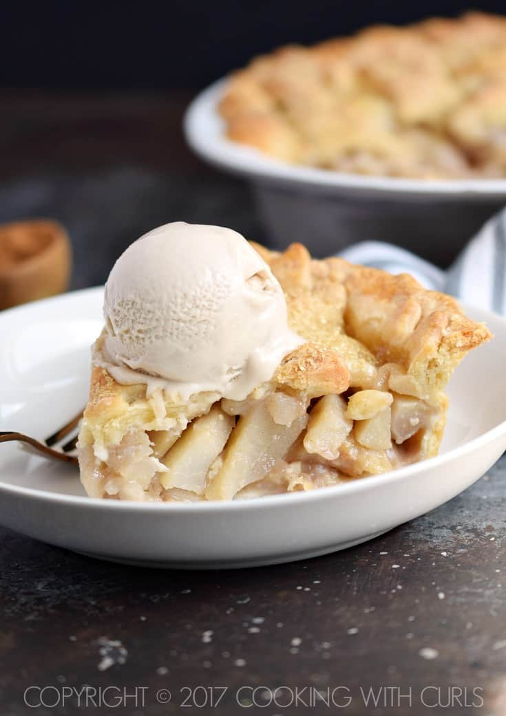 Bourbon-Pear Pie topped with ice cream is perfect for the holidays or any special occasion | COPYRIGHT © 2017 COOKING WITH CURLS