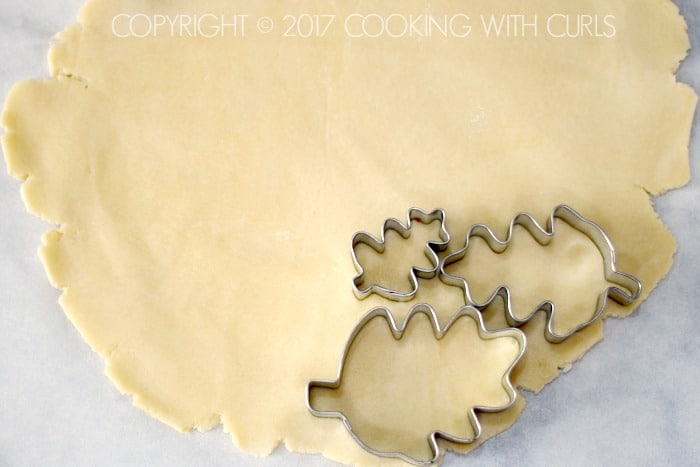 Pie Crust cutters | COPYRIGHT © 2017 COOKING WITH CURLS