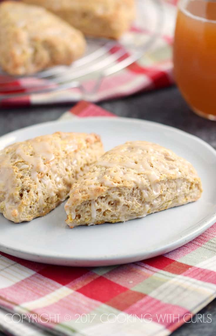 These fluffy Apple Cider Glazed Apple Scones are an easy morning treat | COPYRIGHT © 2017 COOKING WITH CURLS
