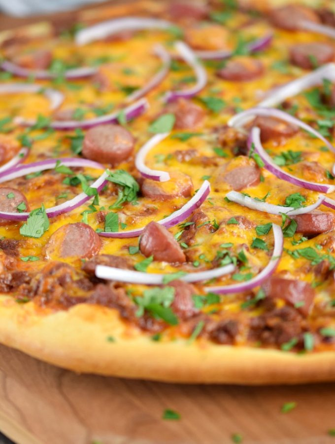 Game day will be even more exciting when you serve your guests Chili Cheese Dog Pizza COPYRIGHT © 2017 COOKING WITH CURLS