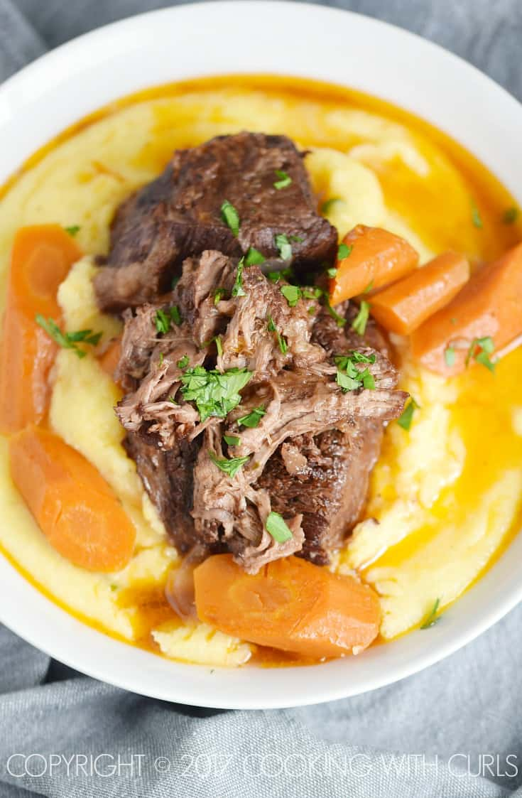 Tender, fall-off-the-bone Instant Pot Wine Braised Beef Short Ribs for the win! COPYRIGHT © 2017 COOKING WITH CURLS