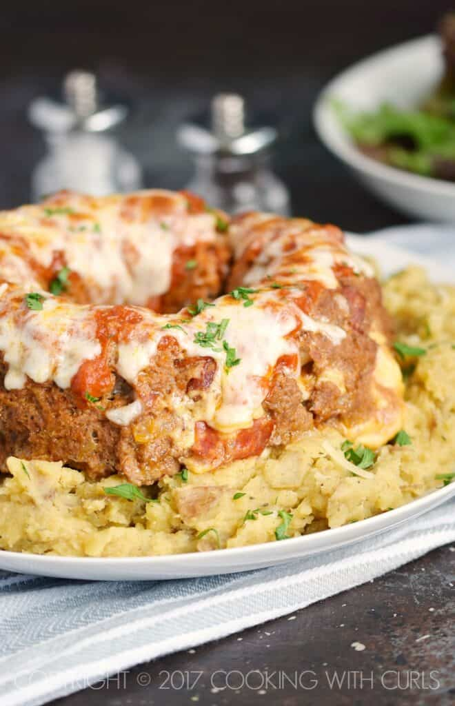 Your family will love all of the ooey, gooey cheese in this Instant Pot Pepperoni Pizza Meatloaf! | COPYRIGHT © 2017 COOKING WITH CURLS