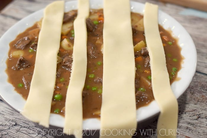 Classic Beef Pot Pie add pie crusts strips COPYRIGHT © 2017 COOKING WITH CURLS