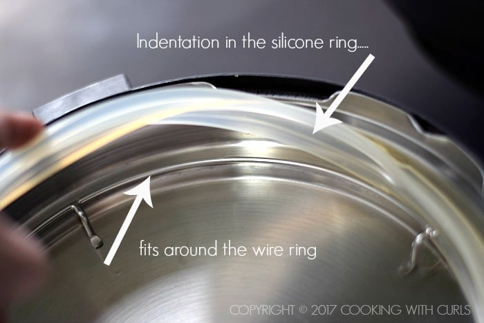Instant Pot 101 how to install the silicone ring COPYRIGHT © 2017 COOKING WITH CURLS