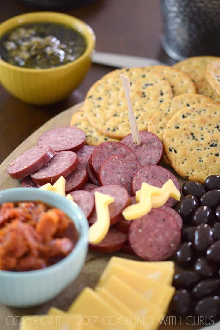 Msg 4 21+ The Ultimate Appetizer Board featuring summer sausage and crackers cookingwithcurls.com #Chardonnation #ad #NotableHoliday