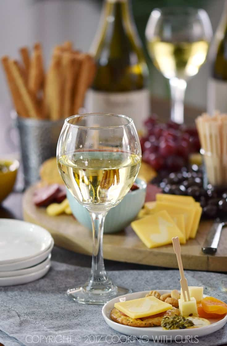 Msg 4 21+ The Ultimate Appetizer Board that pairs perfectly with #NotableWines #Chardonnay cookingwithcurls.com #ad #Chardonnation #NotableHoliday
