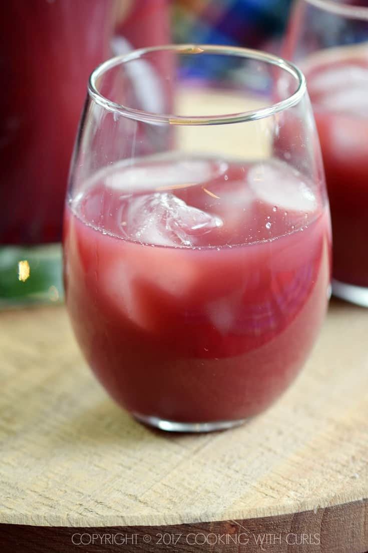 Pomegranate Orange Holiday Punch add ice COPYRIGHT © 2017 COOKING WITH CURLS