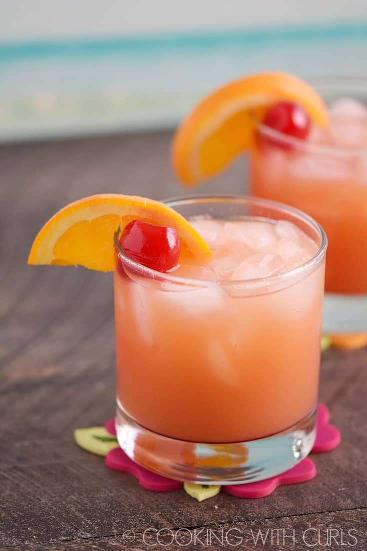 Brighten your cold winter days with a Caribbean Rum Punch and forget just how cold it is outside! © 2017 COOKING WITH CURLS