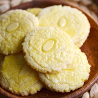 Almond Cookies on a plate © COOKING WITH CURLS