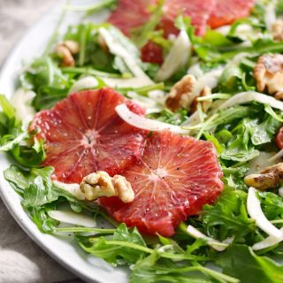 This Arugula Salad with Fennel and Blood Oranges is the perfect starter to your meal or a light lunch! © COOKING WITH CURLS