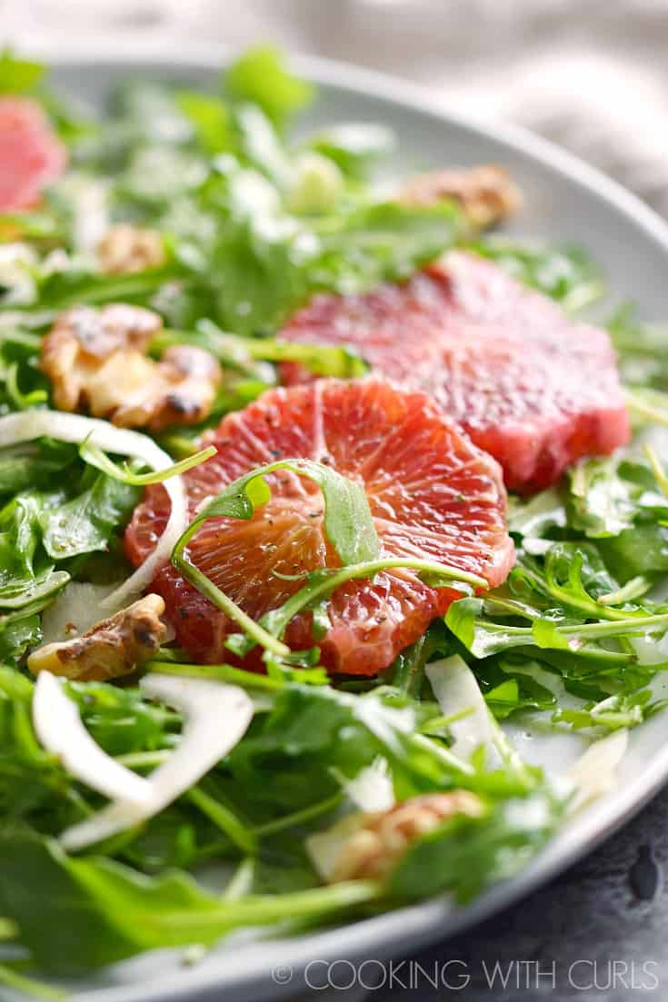 This light and refreshing Arugula Salad with Fennel and Blood Oranges is perfect for a light meal or as a starter before the main course! © COOKING WITH CURLS