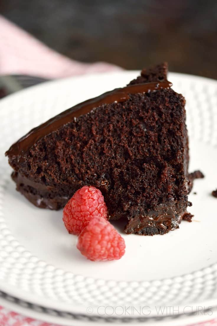 A moist and decadent Mini Chocolate Bundt Cake is the perfect ending to a romantic meal © COOKING WITH CURLS